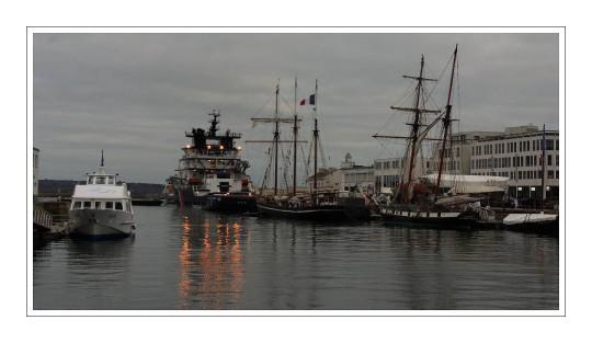 port de commerce de Brest - La Recouvrance, l'Abeille Bourbon...