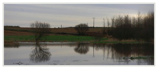 ruisseau de l'étang du pont en crue 02 à Roudouz