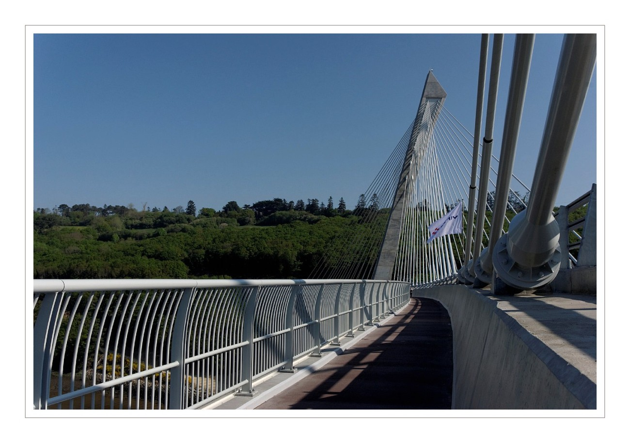 Pont de t r nez la tribu d 39 anaximandre des photos au fil des jours - Premier pont a haubans ...
