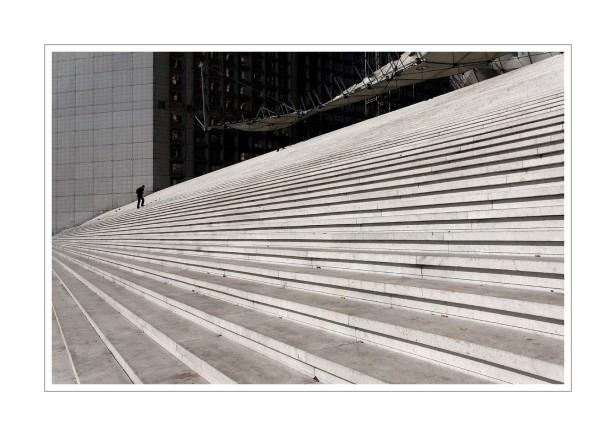 marches de l'escalier de l'Arche de La Défense