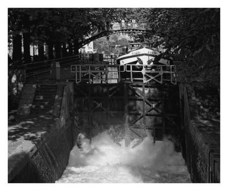 passage d'écluse sur le canal st-Martin
