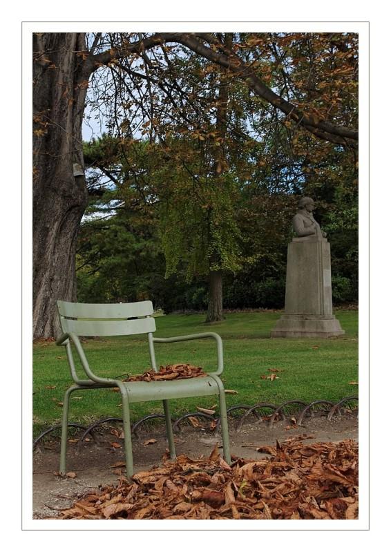 chaise au jardin du luxembourg