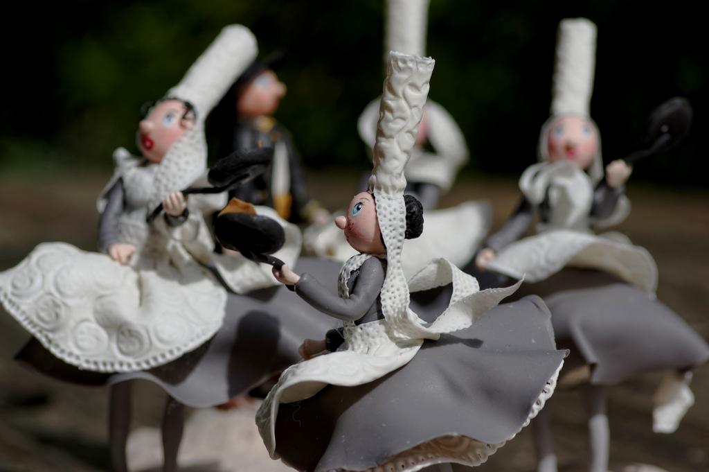 bretonnes en porcelaine froide, figurines bretonnes en porcelaine froide, pam, porcelana fria