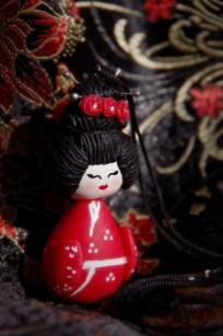 pendentif japonais en porcelaine froide