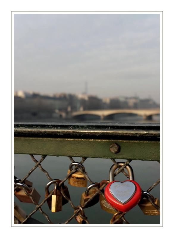 cadenas d'Amour sur le pont des Arts Paris