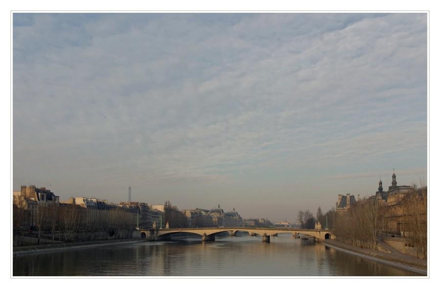 la Seine et le Pont du Carousel à Paris