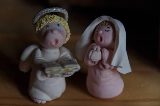 l'ange et marie en porcelaine froide