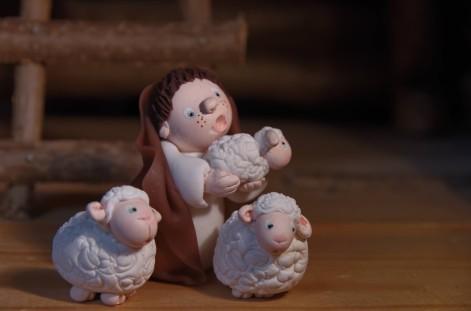 berger et moutons en porcelaine froide