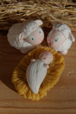 jésus et moutons en porcelaine froide