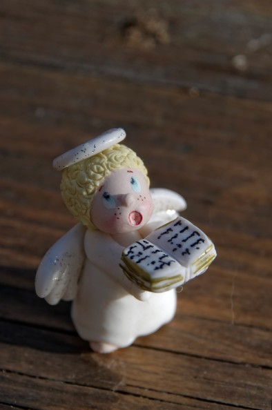 l'ange de la crèche de noël en porcelaine froide, PAM,