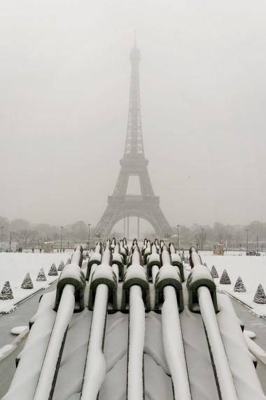 depuis le Trocadéro Tour Eiffel sous la neige