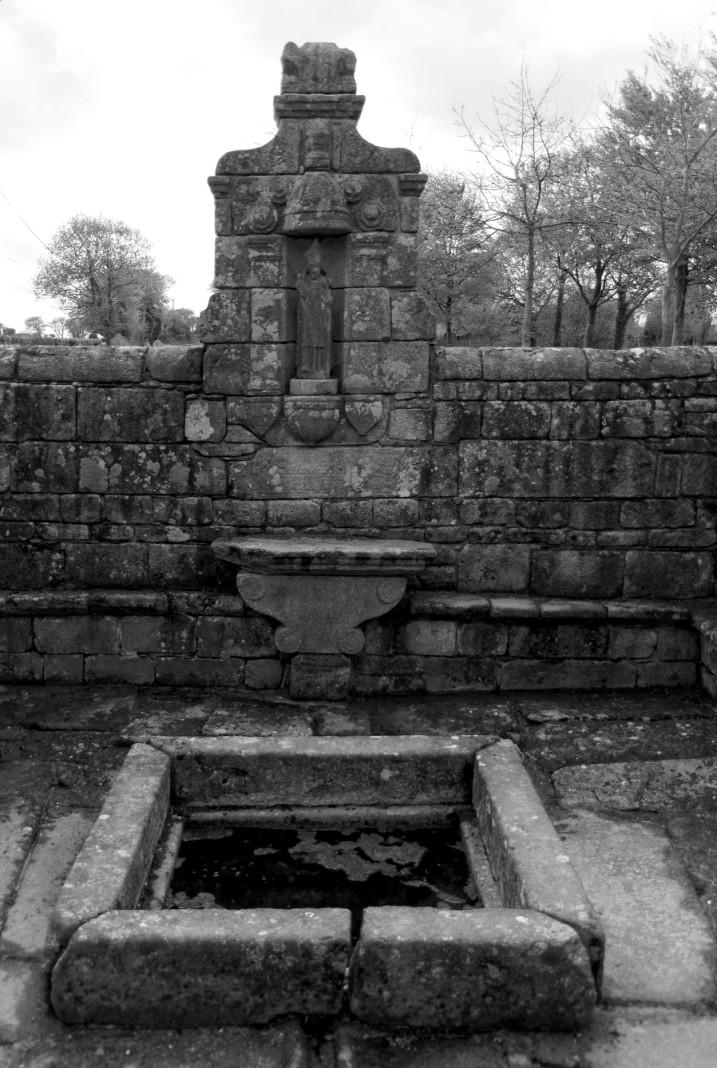 fontaine de la chapelle Saint-Jaoua, Plouvien, finsitère, bretagne