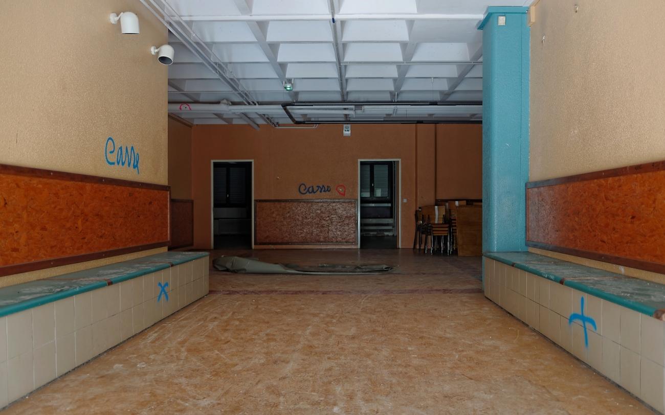 urbex, salle de classe, hall, destruction, lycée Jacques Prévert, Longjumeau,