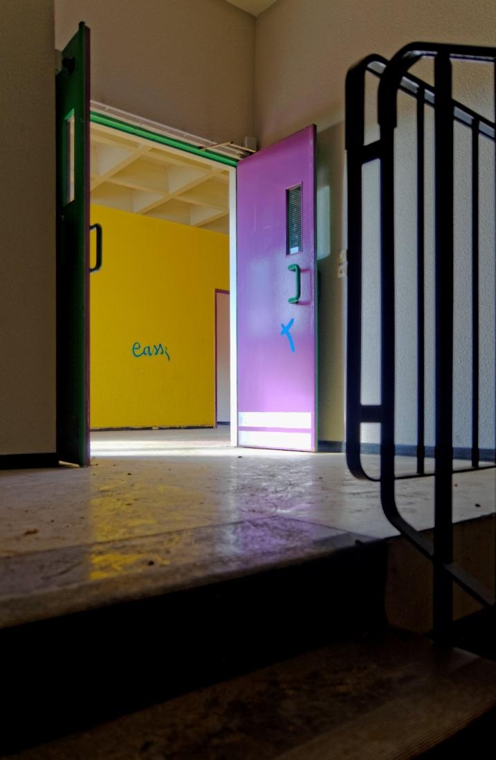 urbex, salle de classe, escalier, destruction, lycée Jacques Prévert, Longjumeau,