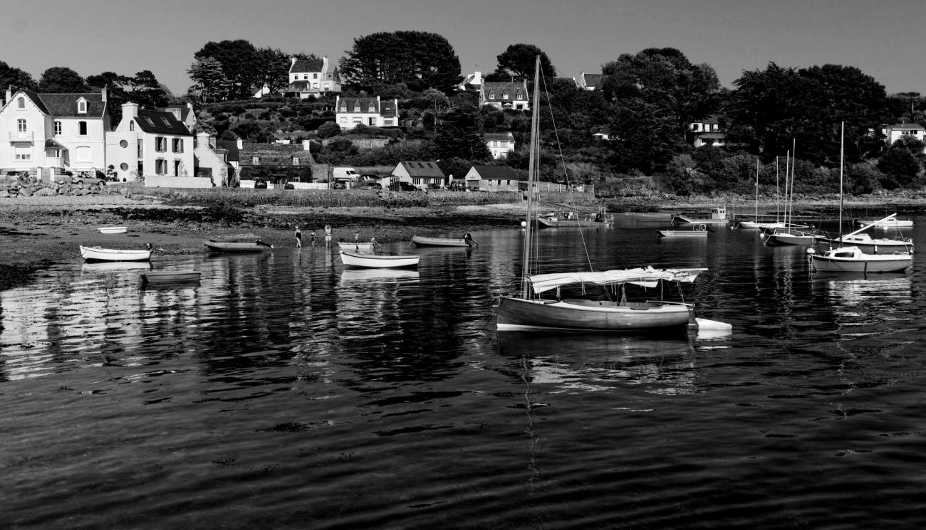 Térénez, impasse de Feunteun Bol, bretagne, finistère, noir et blanc,  bateaux, port,
