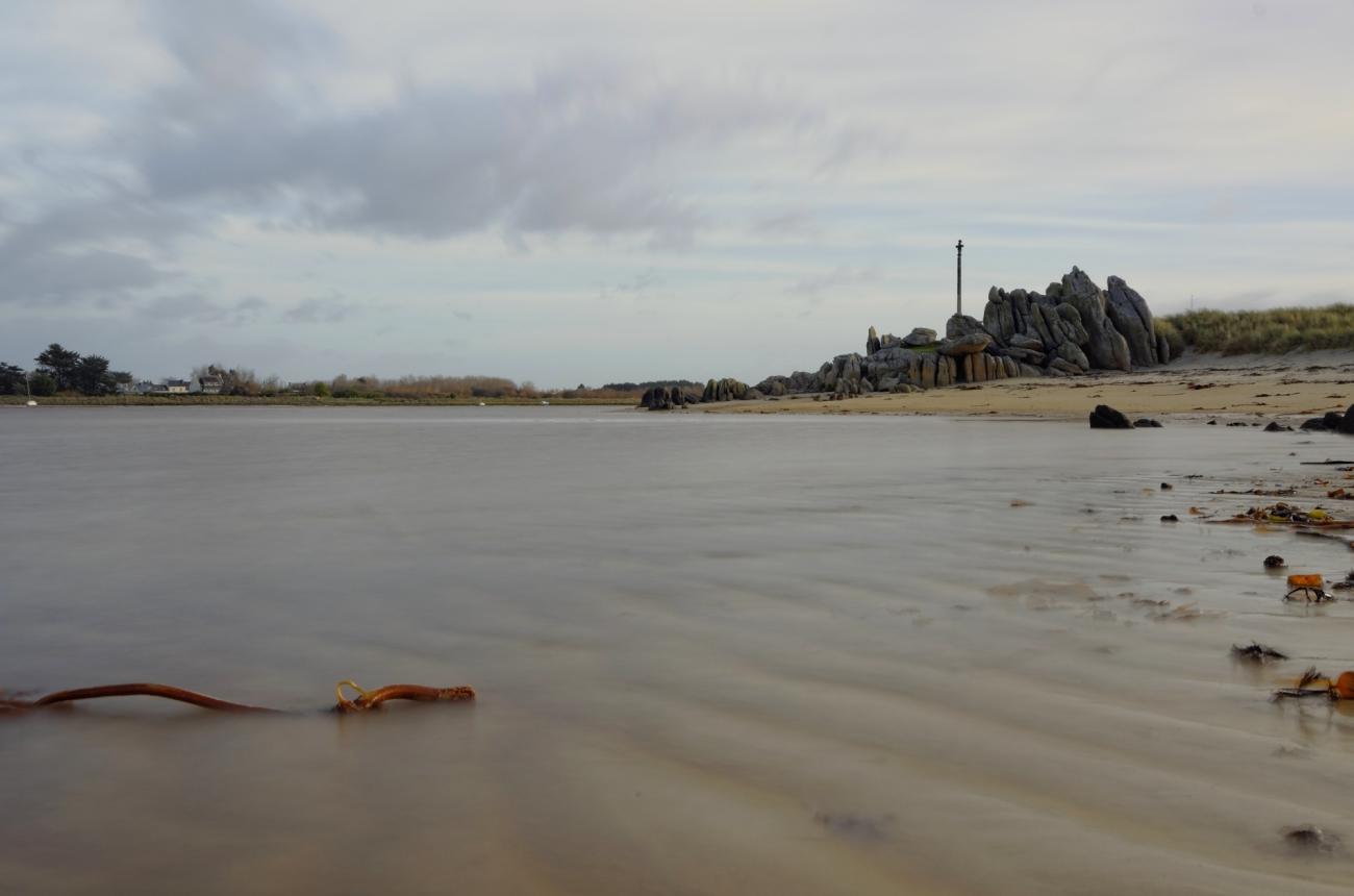 baie de Guissény sur mer, calvaire à la baie de Guissény, pose longue à la baie de Guissény, finistère, bretagne, Guissény