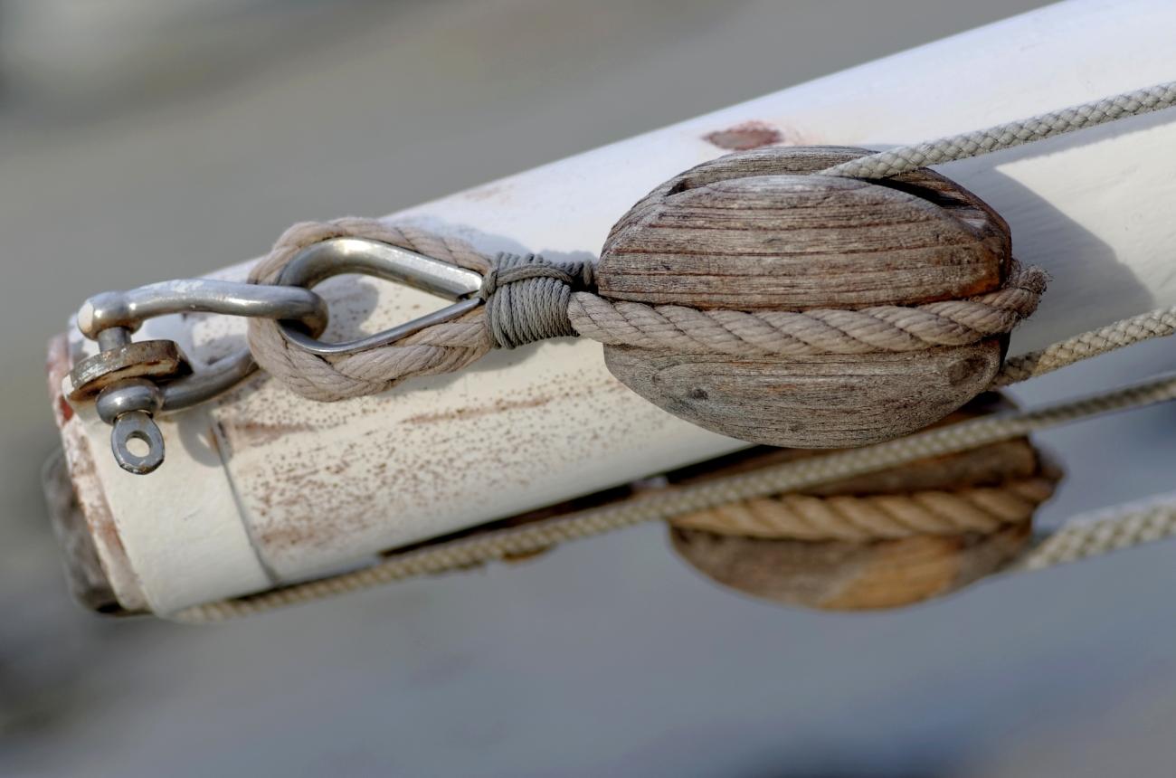 poulie bateau, détail marin, port de korejou, Plouguerneau, finistère, bretagne