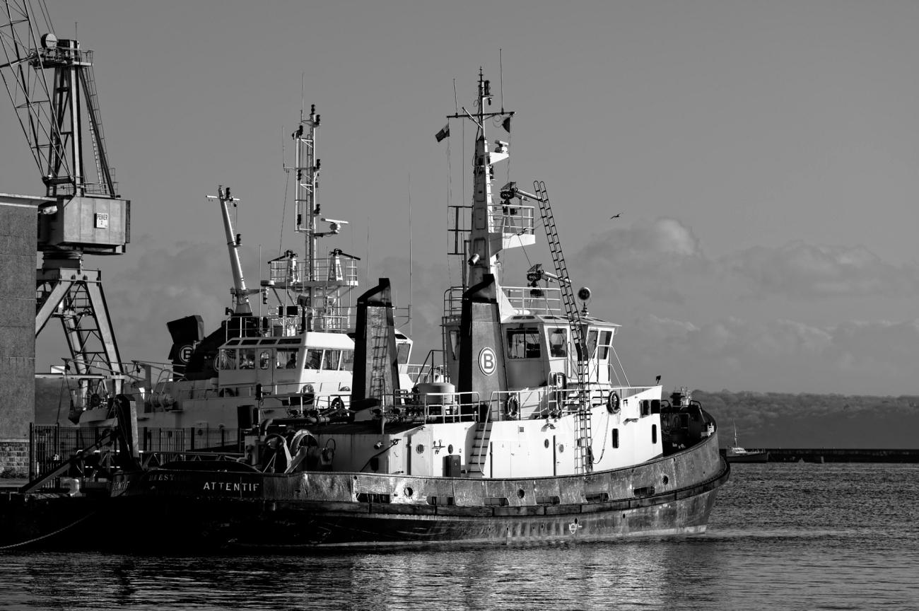 l'Attentif, bateau, Brest, port de commerce, finistère, bretagne, noir et blanc