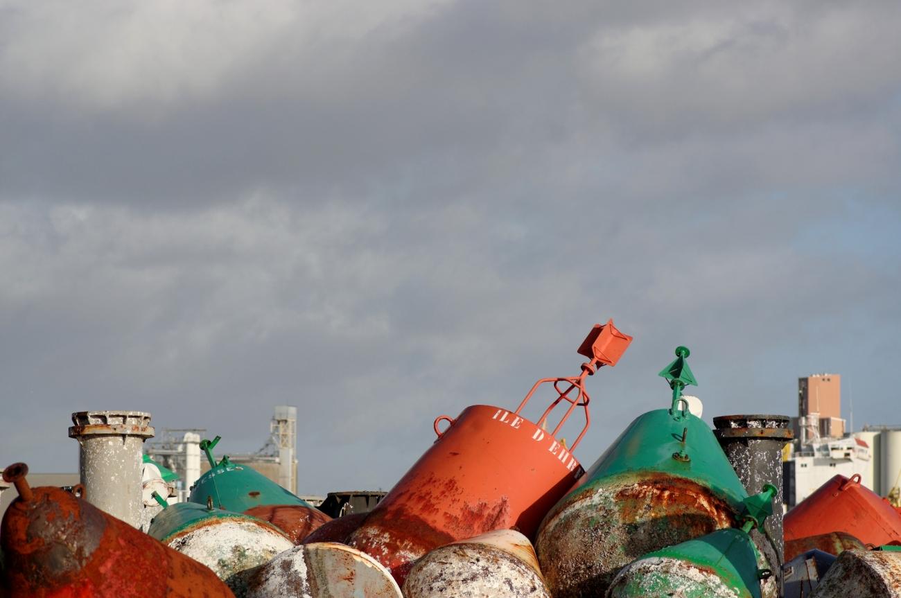 balises marines, port de Brest, finistère, bretagne