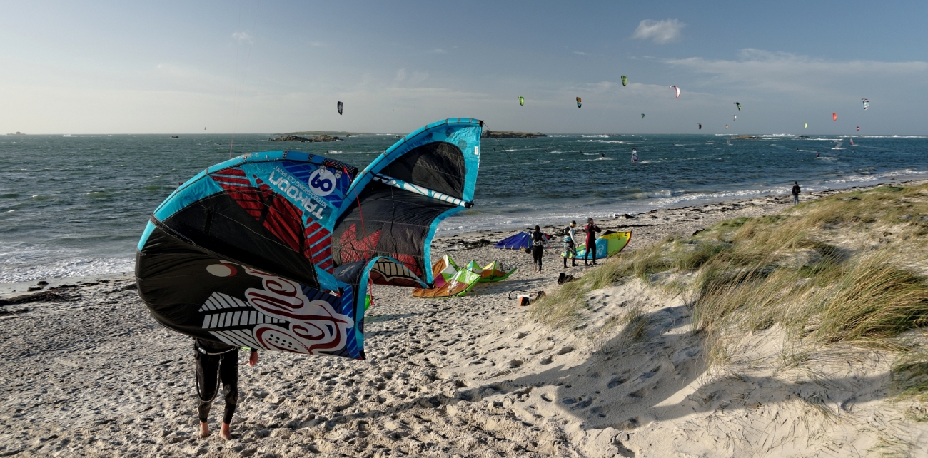 kite-surf, voile,  dunes Ste-Marguerite, Landeda, finistère, bretagne,