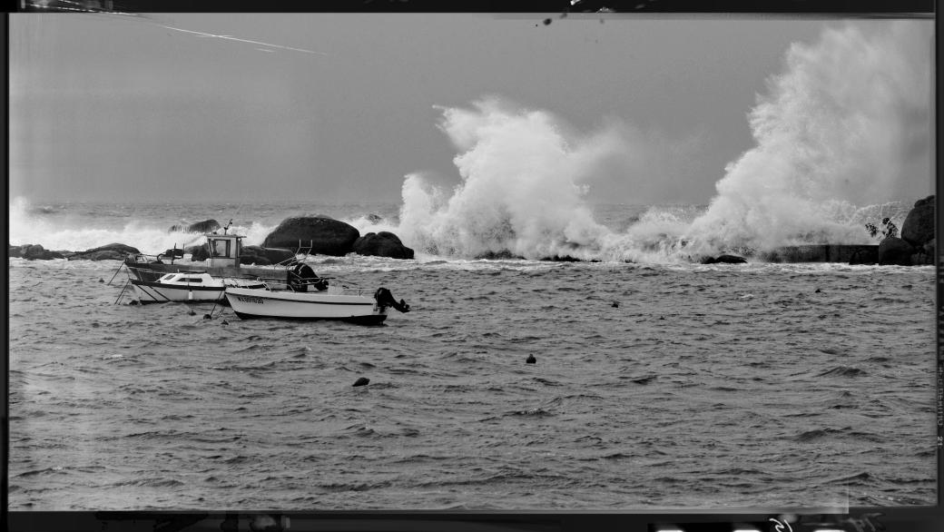 vagues à Pors Gwen, Plouescat, tempête, finistère, bretagne