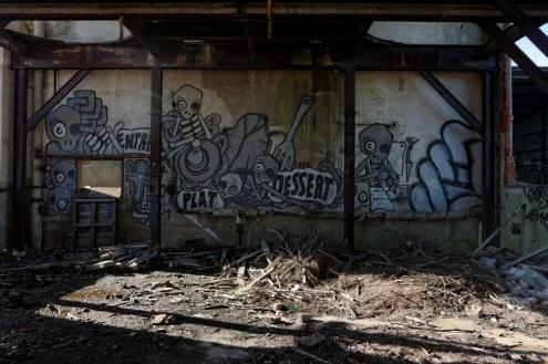 tags bâtiment principal abattoir à cochons, fresque Mygalo