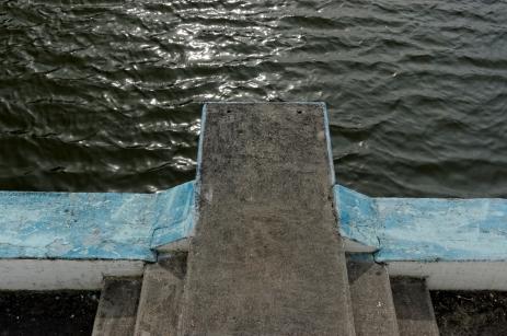 Urbex, piscine abandonnée, plongeoir