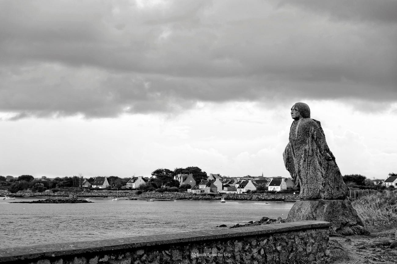statue-de-coutelle-victor-hugo-lilia