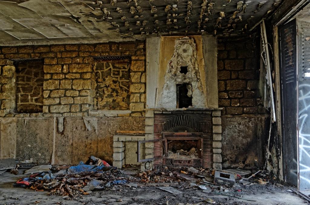 l'île de la Dérivation et ses maisons abandonnées…  La Tribu dAnaximand