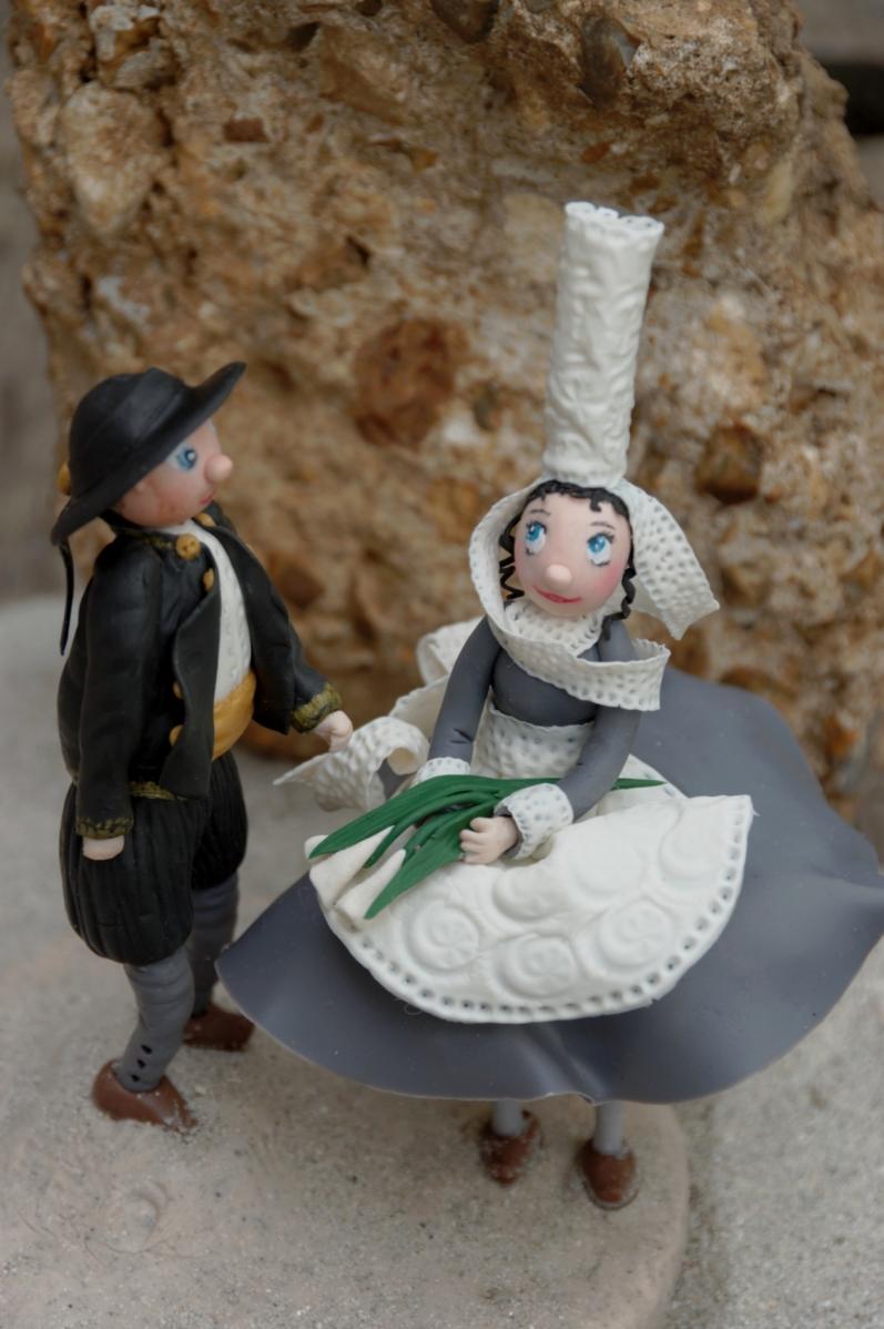 couple mariés bretons en porcelaine froide,