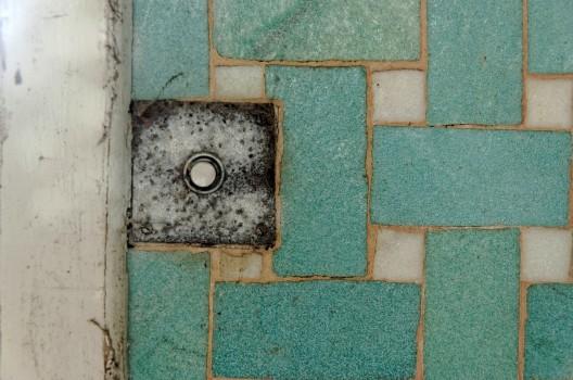 interrupteur salle de bains domaine des 3 colonnes