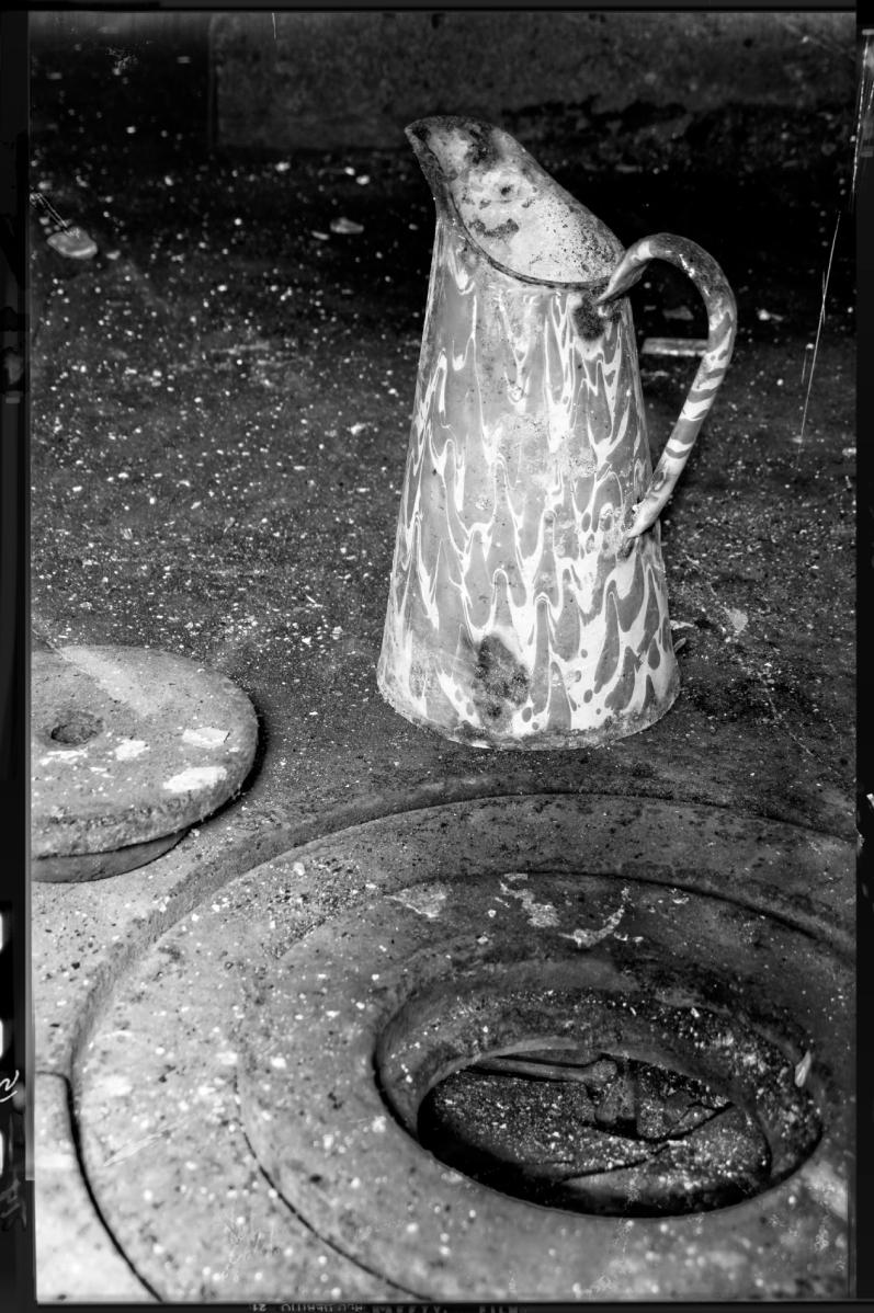 fourneaux et broc, manoir des trois colonnes, urbex, exploration urbaine