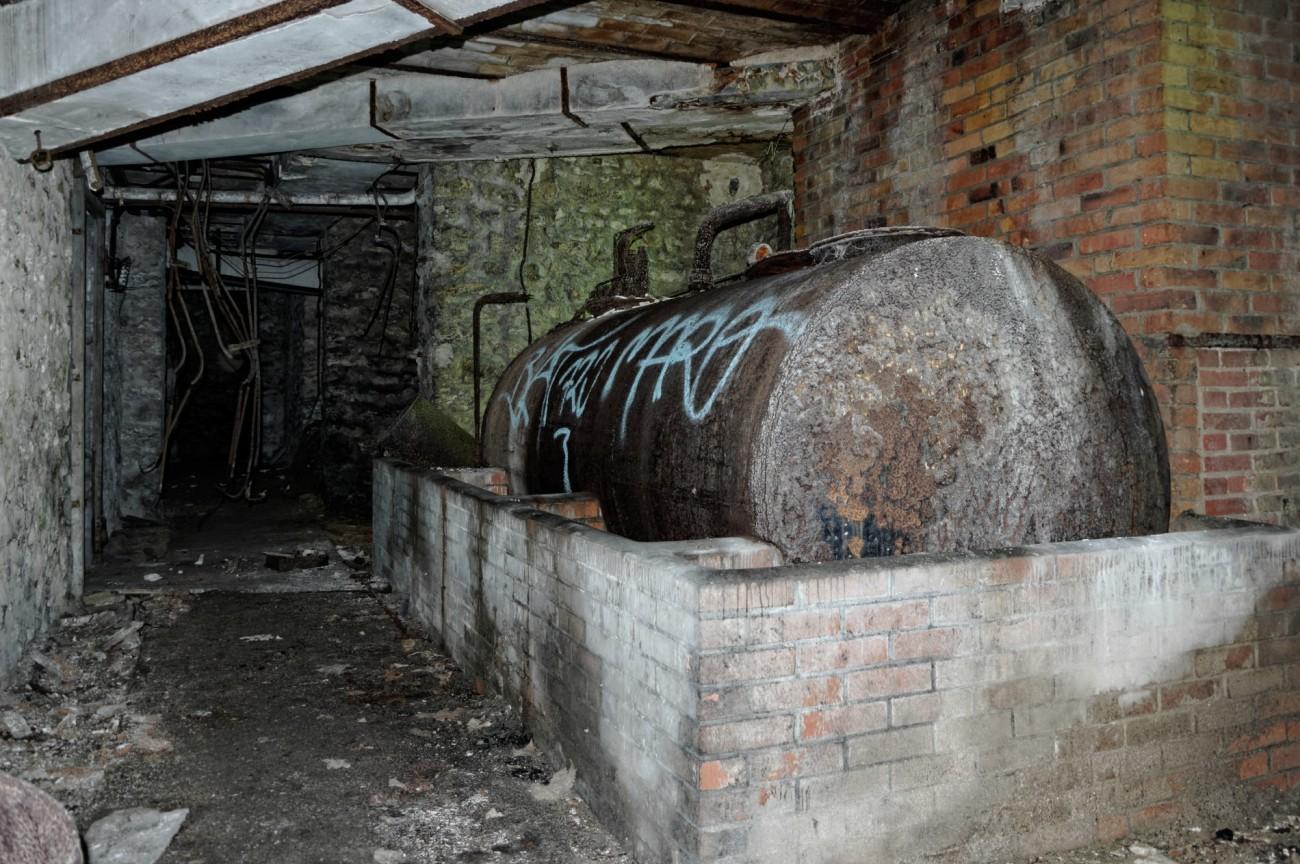 cuve, chauffage, domaine des 3 colonnes, manoir des trois colonnes, urbex, exploration urbaine