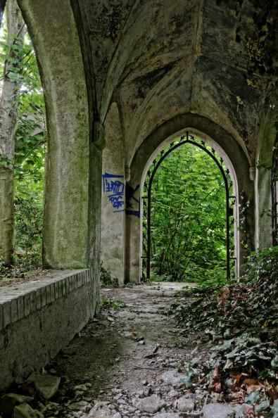 urbex domaine des 3 colonnes le cloître