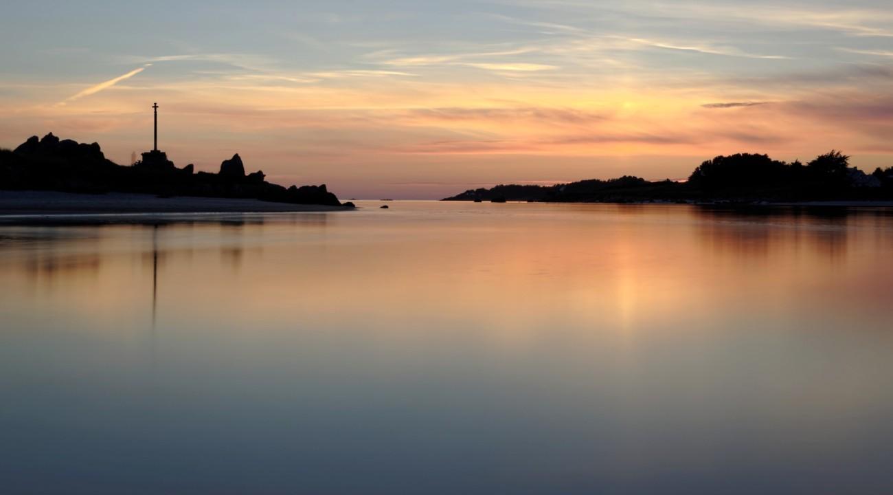pose longue, baie de Guissény sur mer, coucher de soleil,