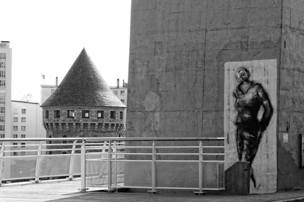 Tour Tanguy, Pont de Recouvrance, tags, collages, noir et blanc, brest, Finistère