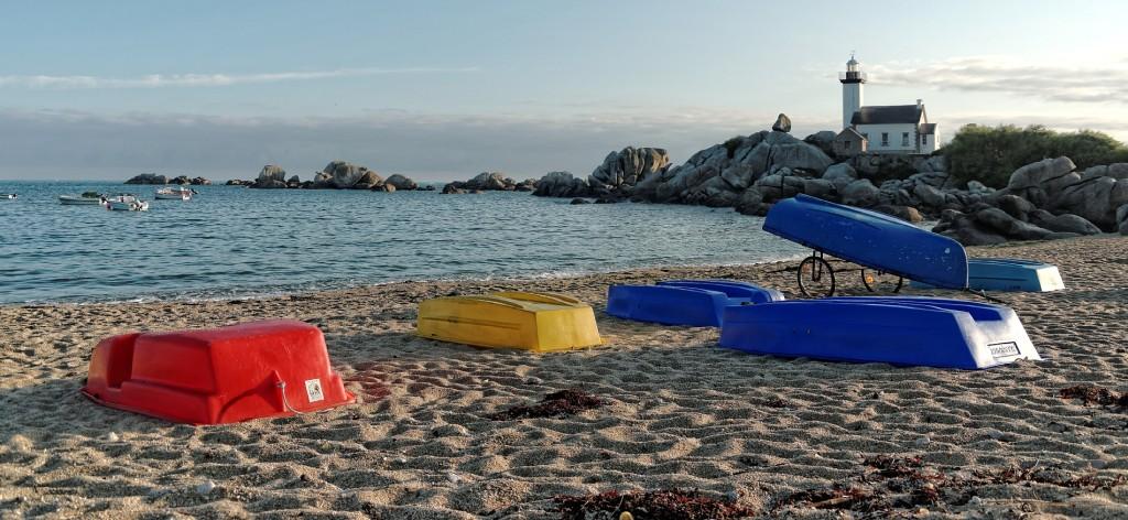 Pontusval, phare de Pontusval, Brignogan,finistère Bretagne, plage, sable, rochers