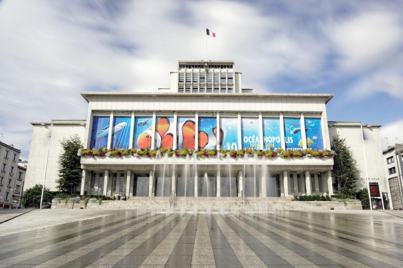 mairie de Brest , jets d'eau, 10 millions de visiteurs Océanopolis, Brest, bretagne, finistère