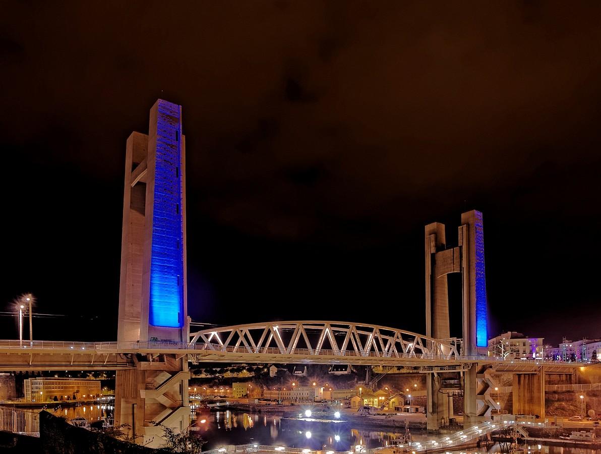 Pont de Recouvrance de nuit