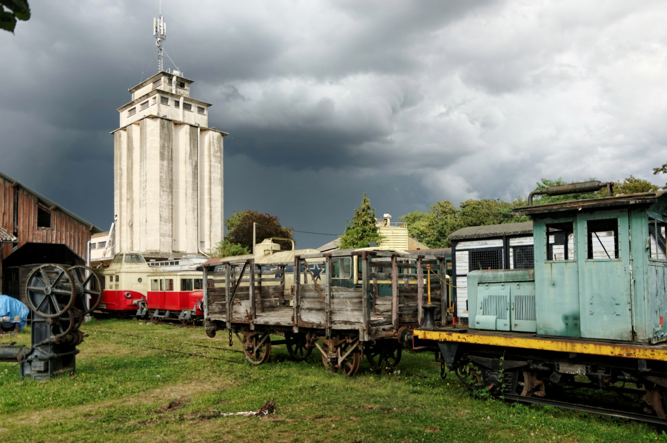trains, wagons anciens, gare, Pacy-sur-Eure
