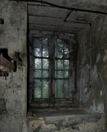 évier ancien cave château Popkov
