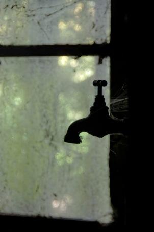 robinet en contre jour châteeau Popkov