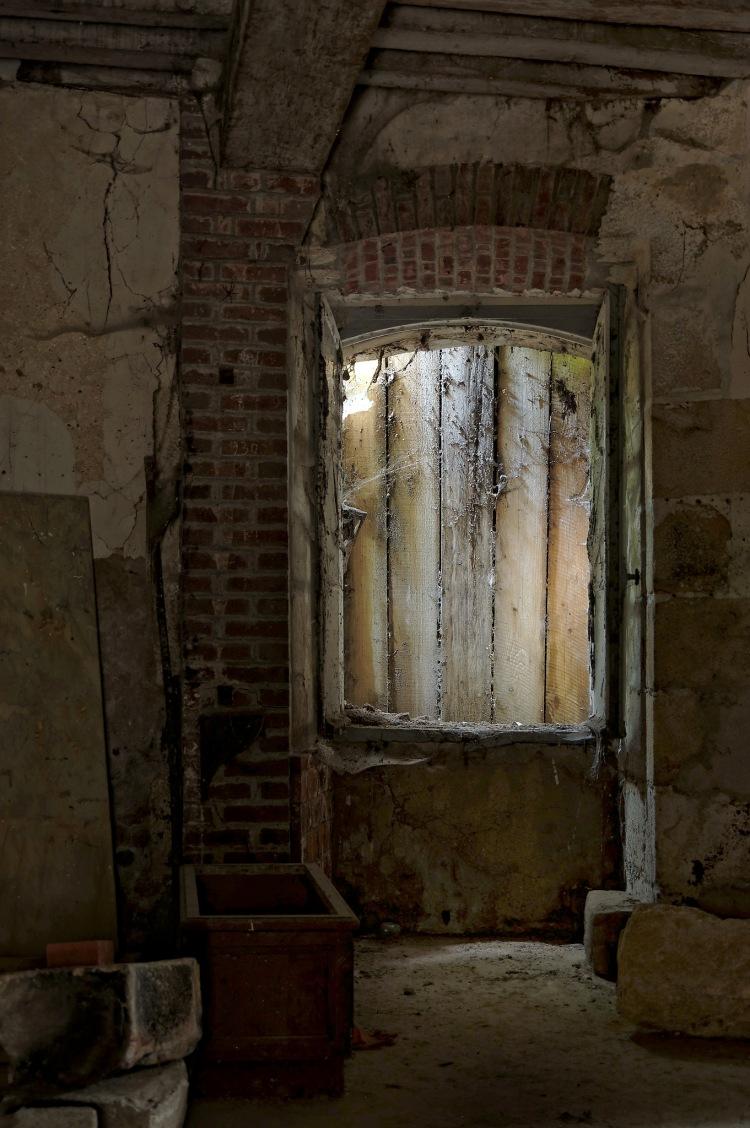 piece ronde cave château Popkov
