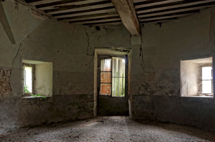 cave sous tourelle château Popkov