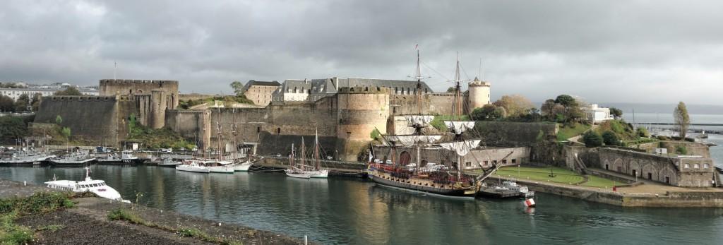 L'Hermione, l'Hermione à Brest, Brest, entrée de la Penfeld, bateau, voilier, trois mats, bretagne, finistère, Château, Recouvrance