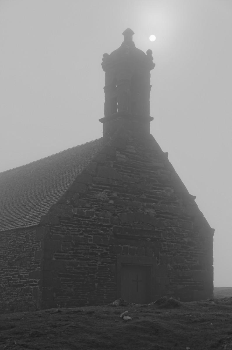 chapelle Mont Saint-Michel de Braspart,  monts d'Arrée, bretagne, finistère