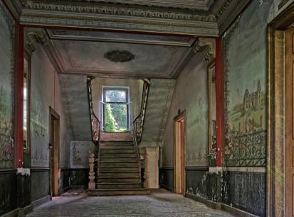 château d'Ah, hall d'entrée, escalier rez-de-chaussée