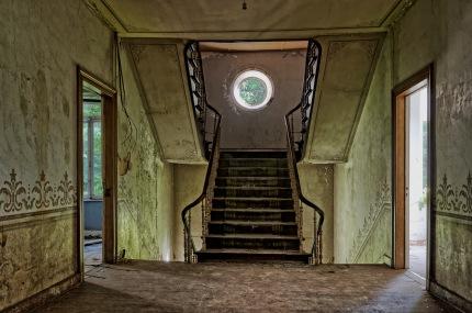 château d'Ah, escalier au 1e étage