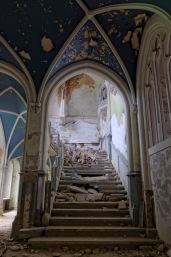 montée d'escalier château Miranda