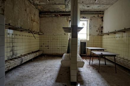 lavabos sous-sol, château Miranda
